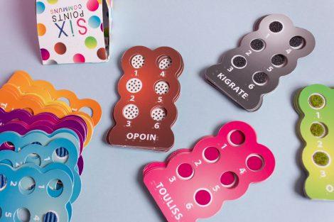 Cartes du jeu de cartes 6 points communs