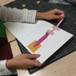 photo du verso du mécanisme d'une illustration tactile